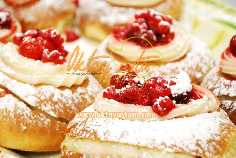 Oktay Usta 3 Meyveli Alman Pastası Tarifi