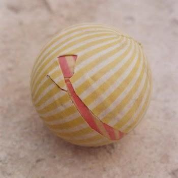 ای کاش ،هنــــوز هم بزرگترین دغدغه زندگیمون سوراخ شدن توپ فوتبالمون می بود.....:::یادش بخیر:::....