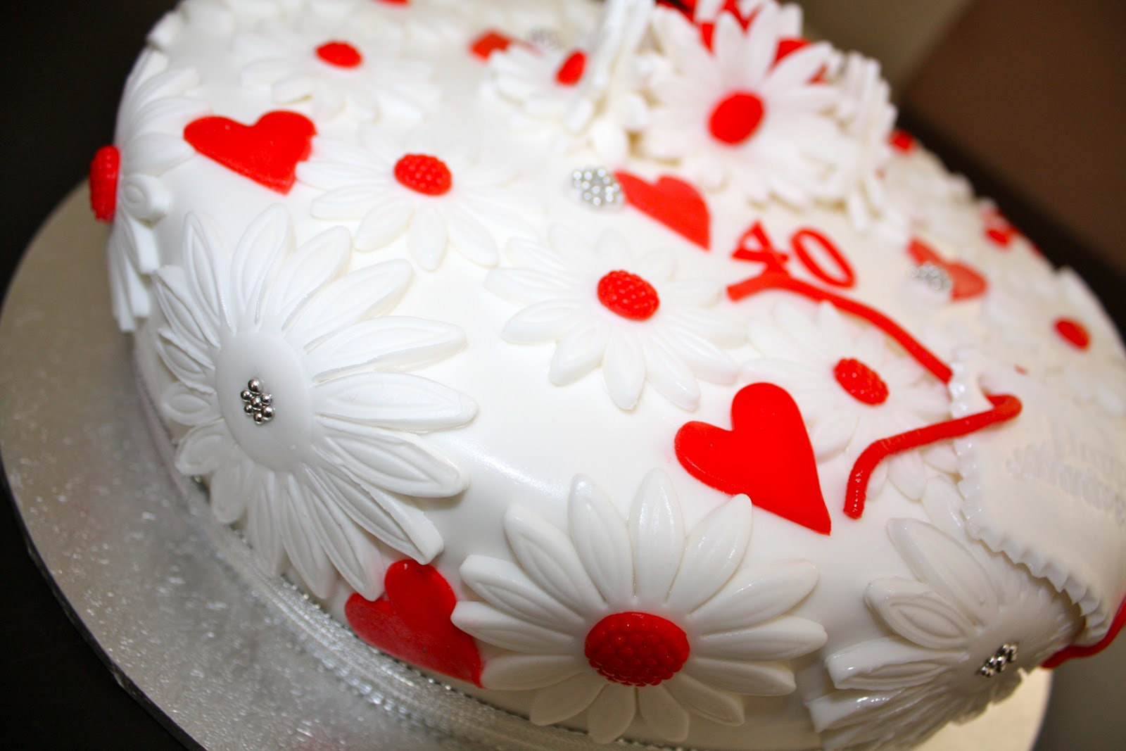 Mandylicious Cakes: 40th Wedding Anniversary cake...white and red