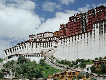 Bangunan Momumen Termegah di Tibet