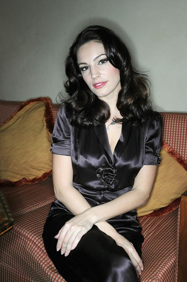 Kelly Brook : 2010 Dubai International Film Festival Portraits