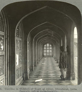 India 100 years ago: Corridor in Cloisters of Tomb of Akbar - Sikandarah (Sikandra), India