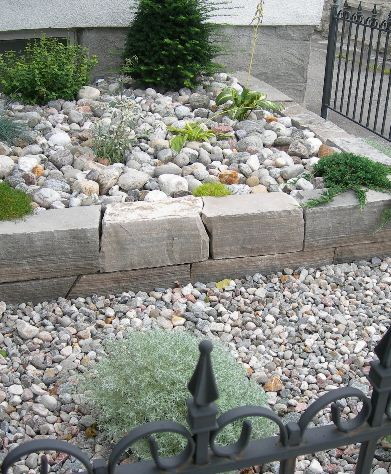 Garden dream rock your landscape for River rock landscaping