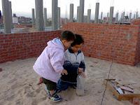 الرمال تقوي عضلات وعقل طفلك