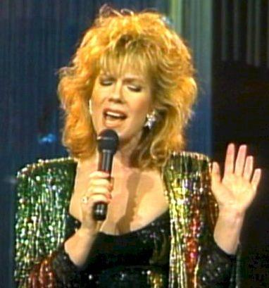VIKKI CARR