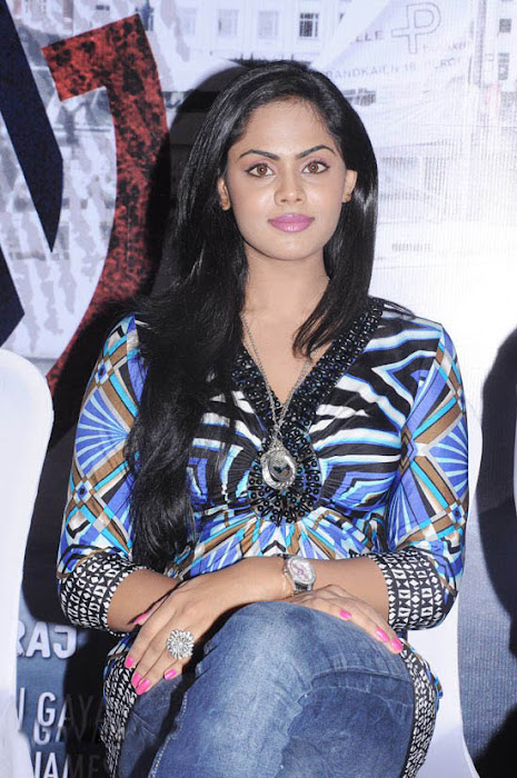 karthika at ko movie press meet unseen pics