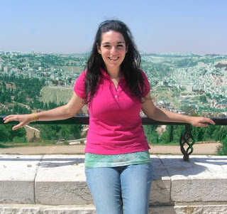 fellows jewish girl personals I'm now in my 50's and really regret breaking up with my non-jewish boyfriend all those many years ago  i once got caught up dating a non-jewish girl.