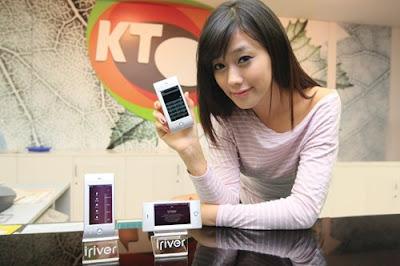 모델과 KT의 아이리버 웨이브폰은 이쁘지만 험악할 것 같은 시장전망