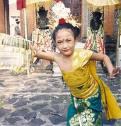 tari pendet yang sebenarnya berasal dari Bali