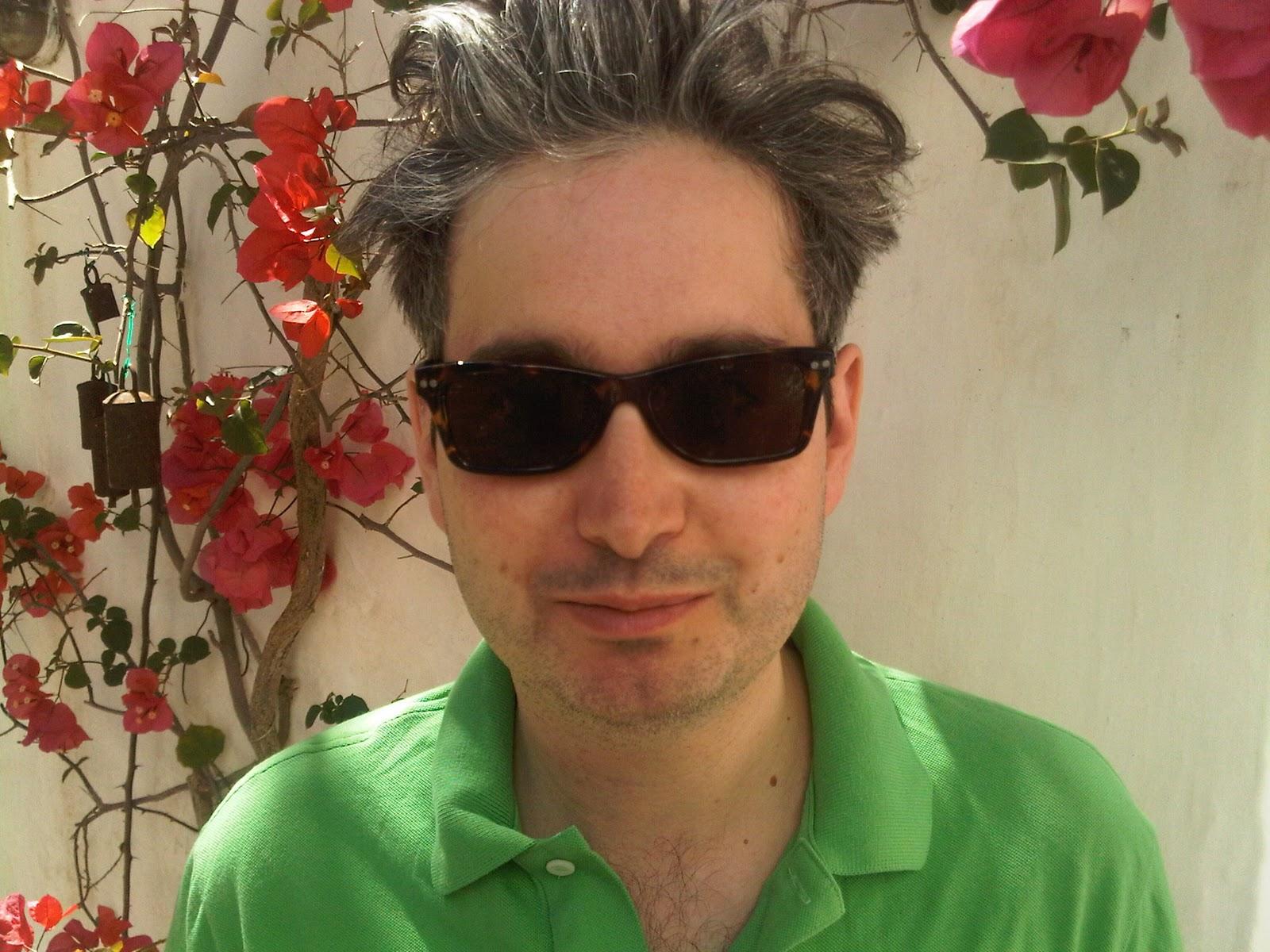 http://3.bp.blogspot.com/_0j0mlceWh38/TA7JXN1jguI/AAAAAAAAC5s/78eHXye7DIg/s1600/Todd_On_Hydra_June2010.jpg