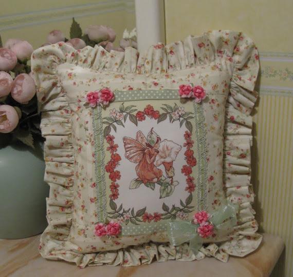 Cuscino fatina dei fiori (davanti)
