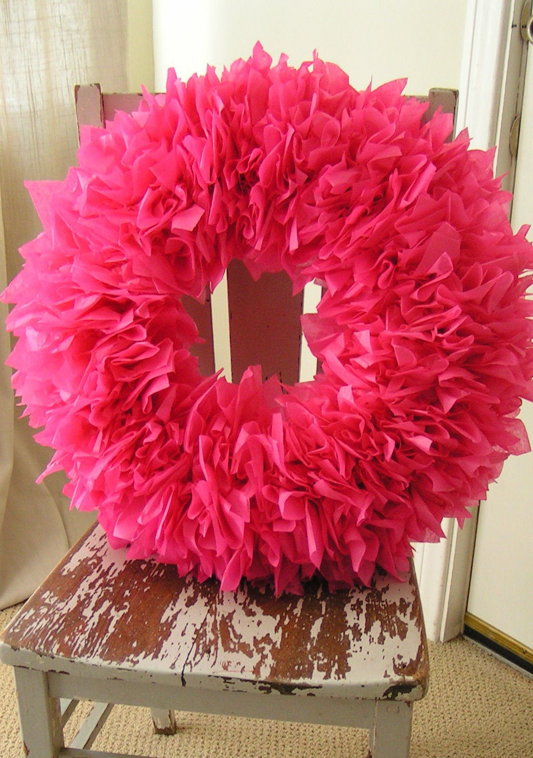 DIY-Tissue-Paper-Wreath