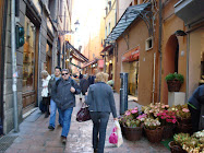 Bologna: Via Drapperie