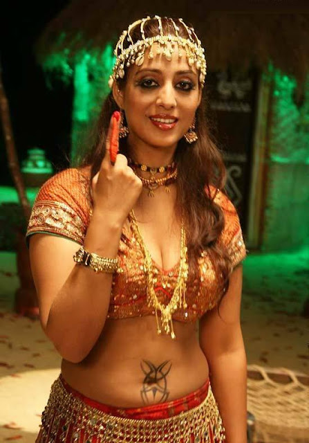 Mahie Gill in Mirch