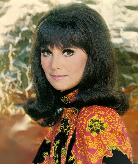Timeline Tuesday: Get Inspired by Groovy 60s Hairstyles; 60s hairstyle