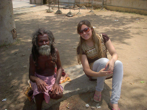 Samila, com um sadu da deusa Shiva.