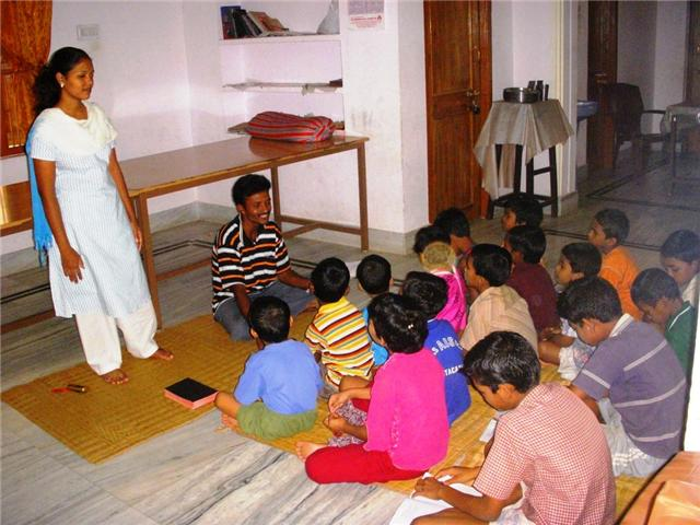 Índia - Ministrando para as crianças