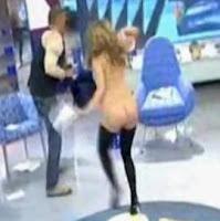 Kiko desnuda a Maria Lapiedra Salvame