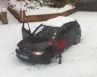 atascada en la nieve