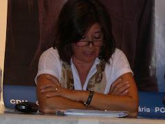 Conceição Loureiro, 1ª candidata à Câmara Municipal, durante a sua intervenção