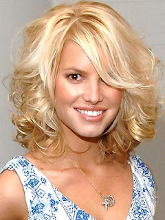 Jessica Simpson Hairstyles, Celebrity Hairstyles, Blonde Hair, Medium Hair, Straight Hair, Wavy Hair