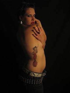Women Side Body Japanese Geisha Tattoos Picture 10