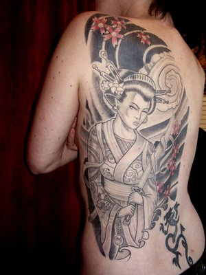 Female Back Piece Tattoo With Japanese Geisha Tattoo Design