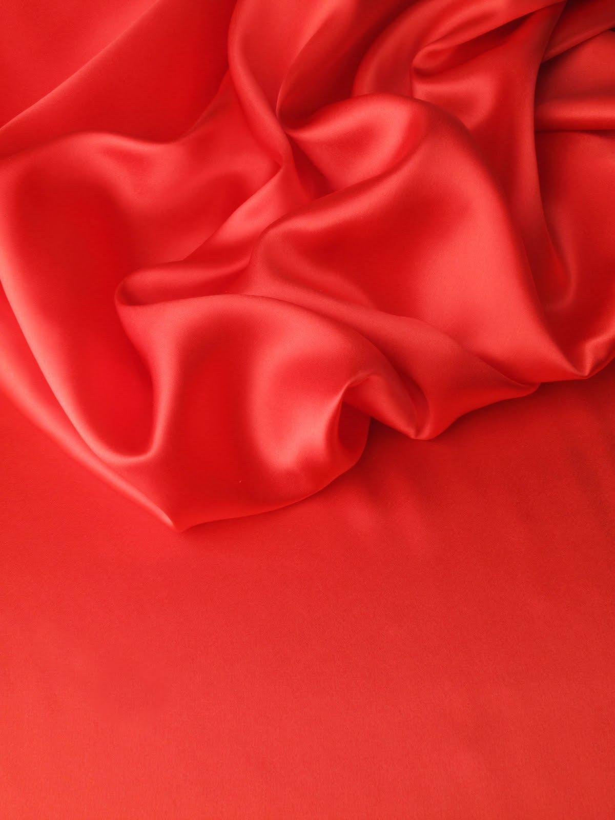 les nouveaut s au jour le jour chez stragier cr pe satin en soie vermillion. Black Bedroom Furniture Sets. Home Design Ideas