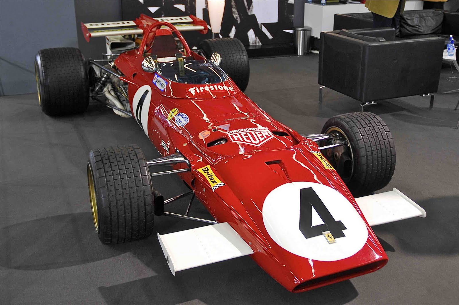http://3.bp.blogspot.com/_0vQee8oZXq8/S_48whUE0iI/AAAAAAAARBc/XJC9yborQAk/s1600/Ferrari+F1+1970.jpg