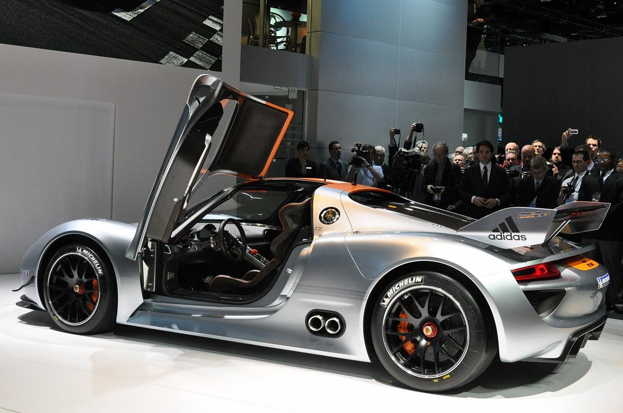 http://3.bp.blogspot.com/_0vQee8oZXq8/TSub7p2du5I/AAAAAAAAWx0/rh0wgkigd5M/s1600/Porsche%20918%20RSR%203.jpg