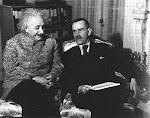 El escritor Thomas Mann y el cíentífico Albert Einstein