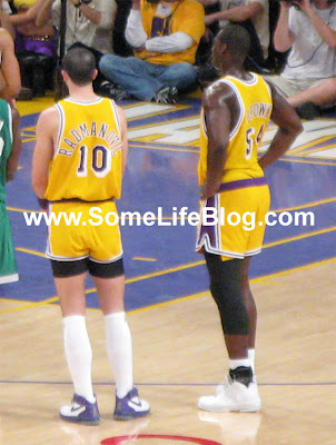 Vladamir Radmanovic & Kwame Brown with their short shorts at Staples Center for Lakers vs. Celtics