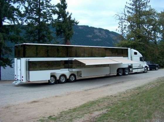 World s most expensive rv for Most expensive motor homes
