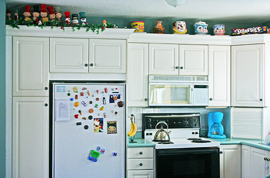 Decorations Above Kitchen Cabinets - Inspirational Kitchen Decor Ideas