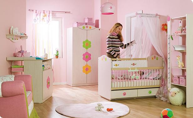 Os quartos de menina são muito alegres, a utilização de rosa fica