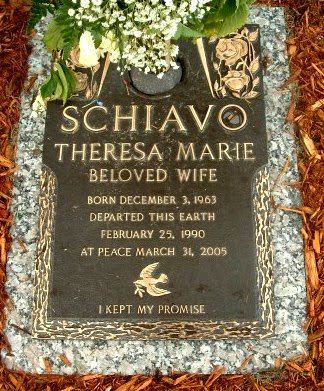 is terri schiavo a person essay  the terri schiavo case marie a spicer his303 professor connor november 22, 2013 thesis the closure of life is inexorable pretty much for many of us it is pretty much in black and white what our last requests are.