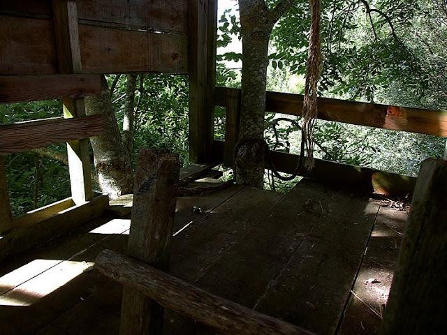 Photo de l'intérieur d'une cabane