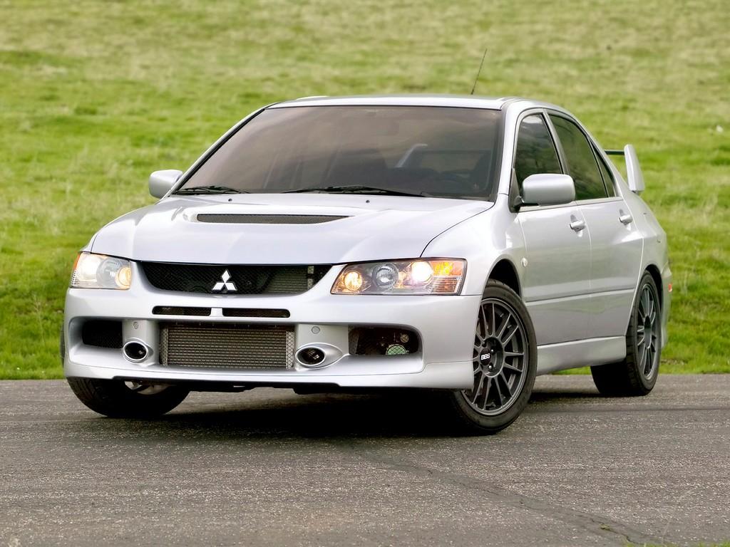 http://3.bp.blogspot.com/_14grgzfQGYA/TIHOVDOfvtI/AAAAAAAAAYc/MKOogKEojsQ/s1600/Mitsubishi-Lancer-EVO-IX-20.jpg