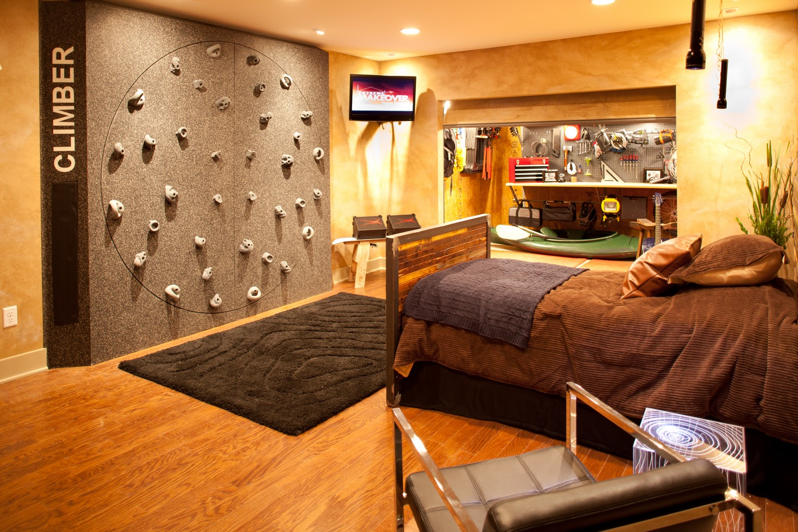 randy collier photography extreme makeover home edition. Black Bedroom Furniture Sets. Home Design Ideas