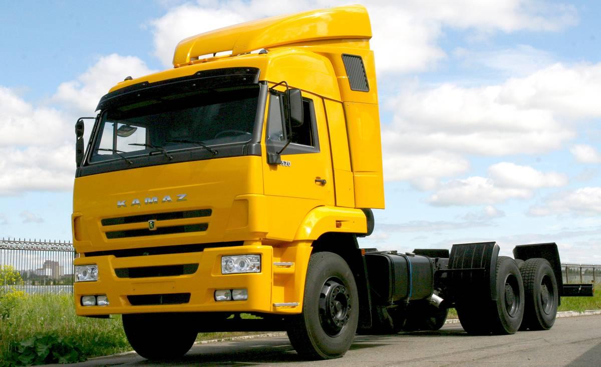 camiones kamaz simples pero robustos pasion por los camiones. Black Bedroom Furniture Sets. Home Design Ideas
