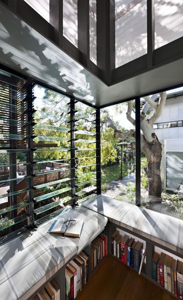 Desain Rumah Kontemporer dengan Taman yang Exotic