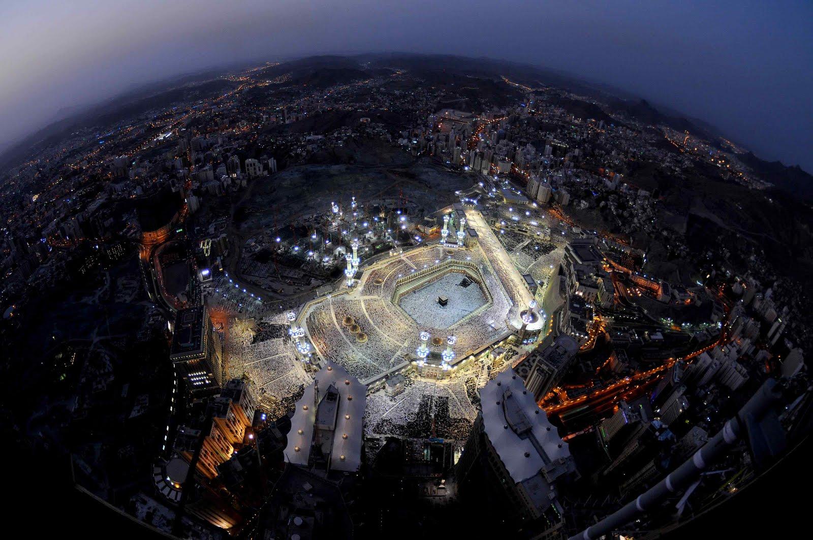 http://3.bp.blogspot.com/_1F-5yioDoJ0/TQefAbdxxHI/AAAAAAAAAas/-wh9D58DgAc/s1600/makkah+aerial.jpg