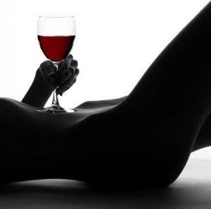 Como potencializar o poder afrodisíaco do vinho