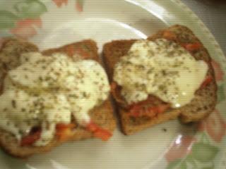 Opcion para el desayuno para la dieta: pizzetas calientes light