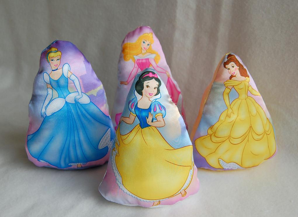 generalmente las princesas de disney son las preferidas de las nenas ...