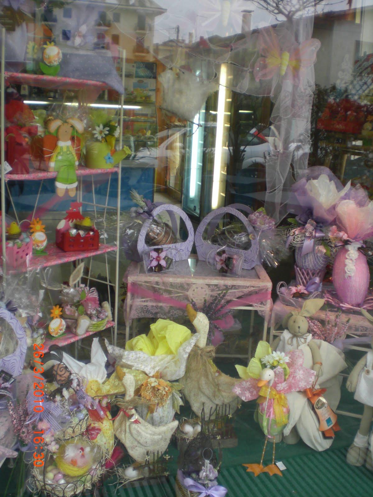 idee per vetrine negozi. arredi per negozi in cartongesso with ... - Idee Arredamento Negozio Fiori