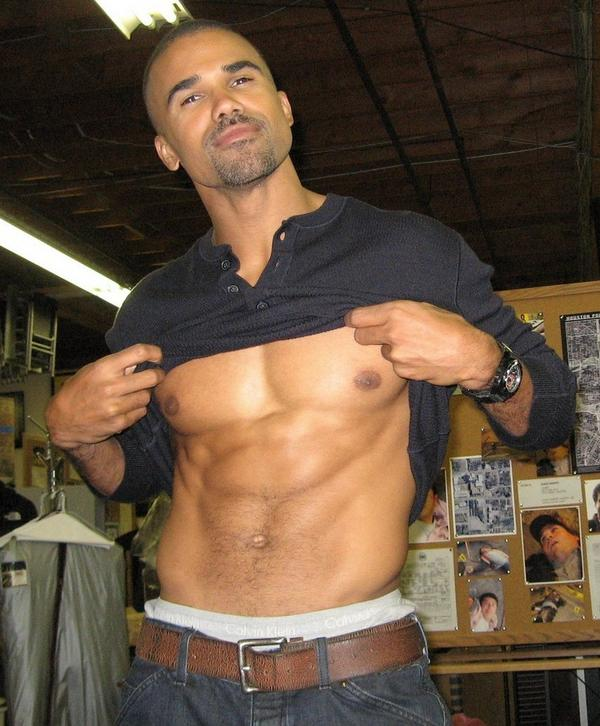 shemar moore picks on gay beach in maui