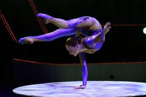 Contorcionista de Circo para Eventos
