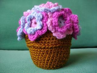 Amigurumi Flower Pot : Button Tree Crafts: Little Flower Pot