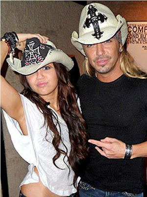 miley cyrus every rose Bret Michaels Comenta De Su Paticipacion Con Miley Cyrus